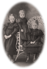 Josephine, Bess,and Ivy Claypool as children